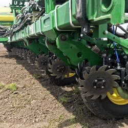 2940 Air Adjust Row Cleaner in field