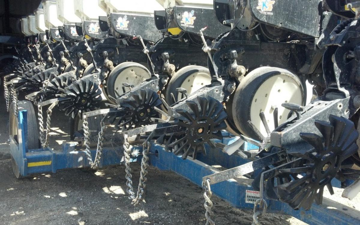 paddle closing wheels in the Up position ready to move into the field