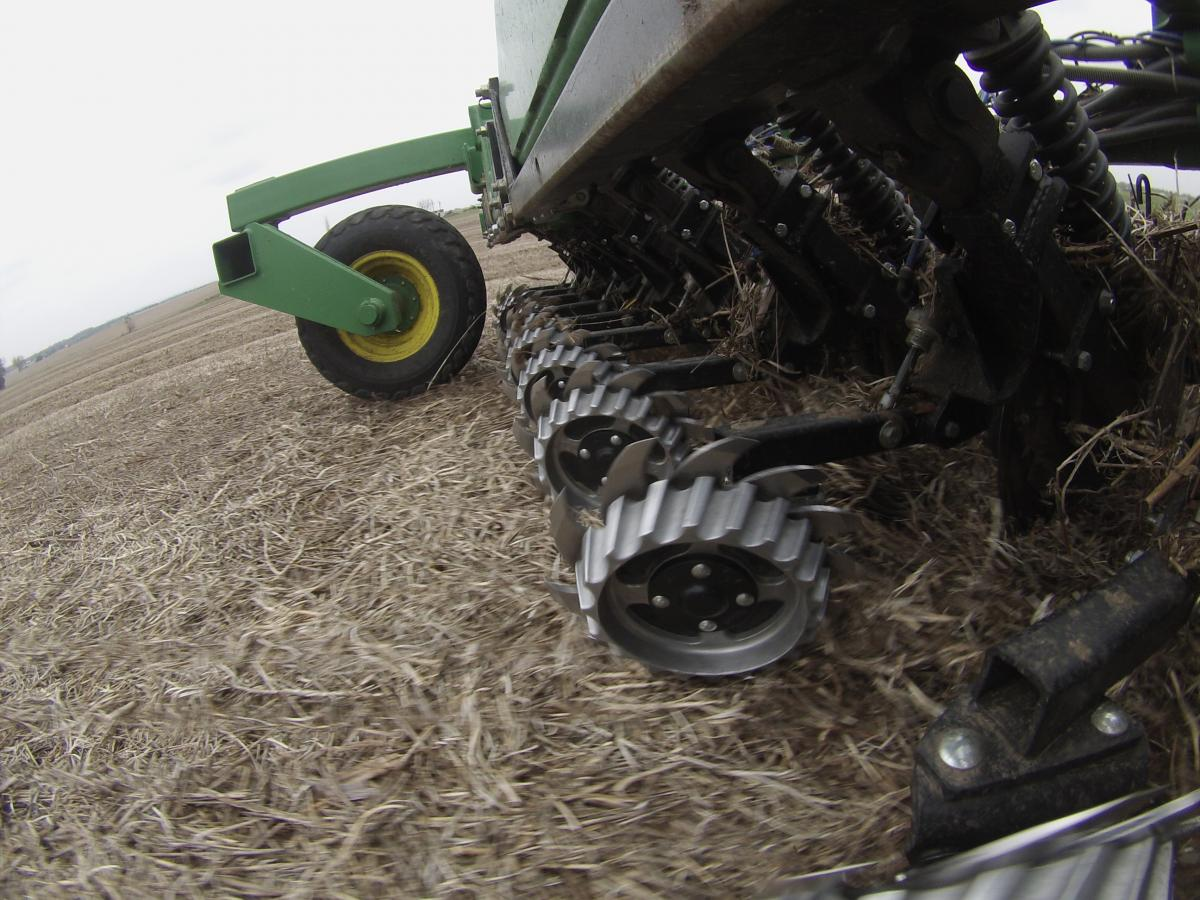 2966-002A Air Adjust™ Row Cleaner for 60/90 Opener in action