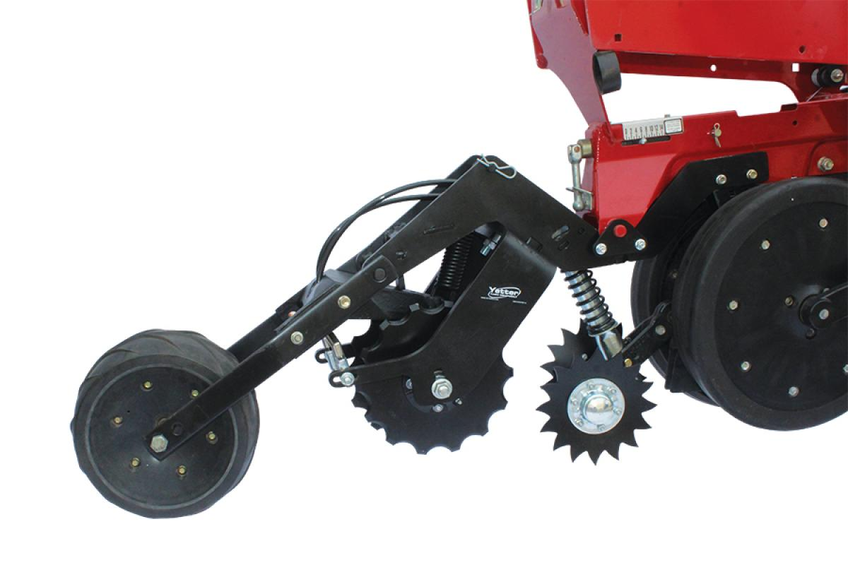Yetter 2968 Unit Mount In-Between Single Wheel Fertilizer Opener on Case IH 2000 Series