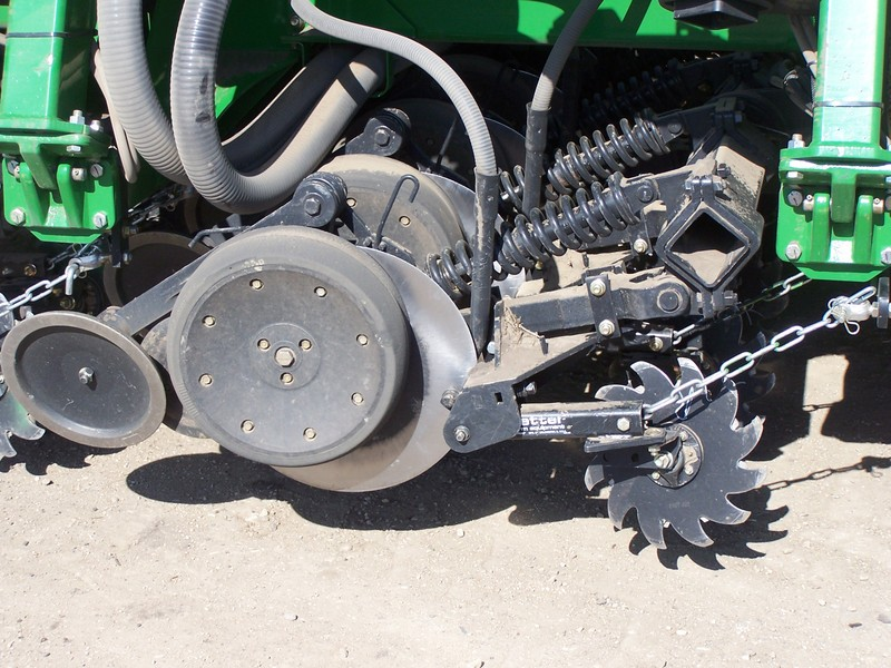 2966-002 Row Cleaner for 60/90 Opener in the field