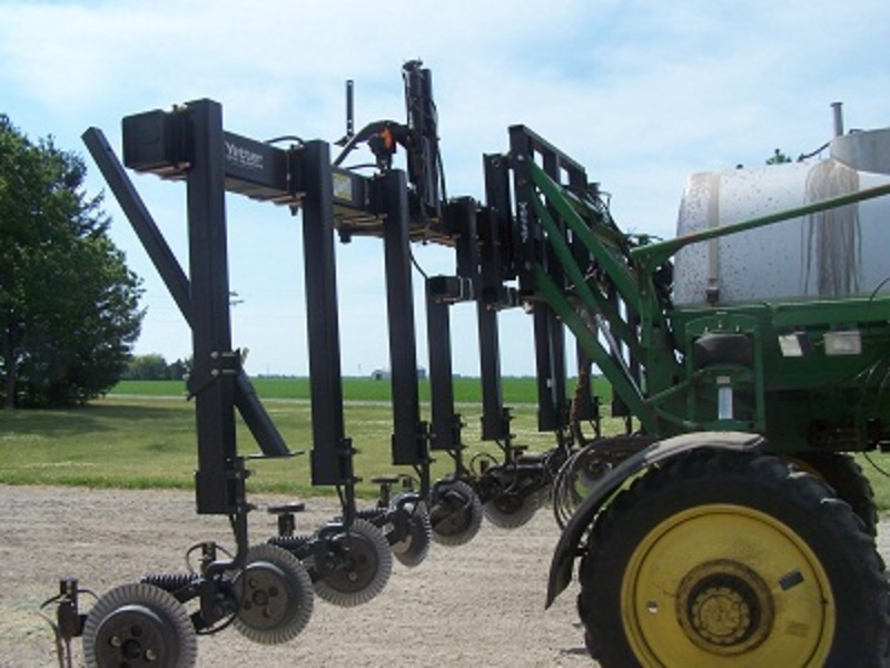 The 3600 Fertilizer toolbar ready to run in the field