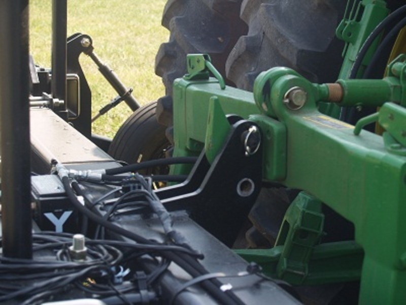 showing the hitch on the double frame hydraulic locking toolbar