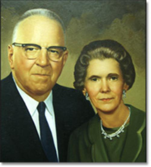 Harry and Etta Yetter portrait, founders of Yetter Manufacturing